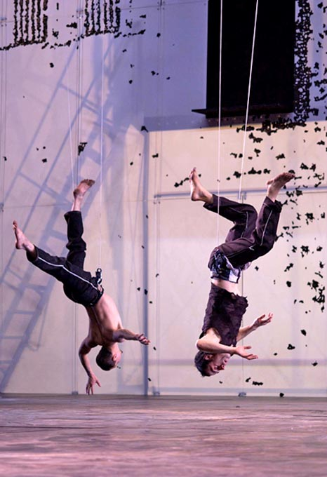 sb_dido_and_aeneas_flying_men_680